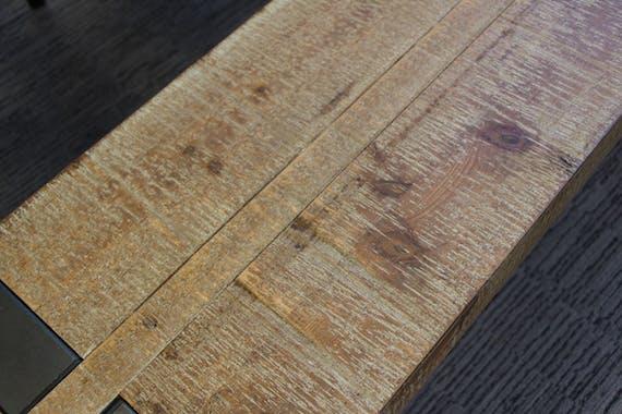 Table basse carrée bois massif EPIKA