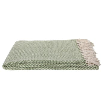 Plaid / Jeté de canapé en coton vert pastel et écru à motifs aspect tissé avec franges 130x170cm