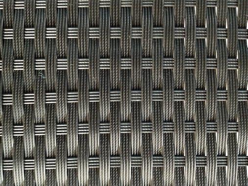 Ensemble de Repas 200cm ANGEL 7 pièces encastrables en résine tressée noire et coussins tissu blanc écru