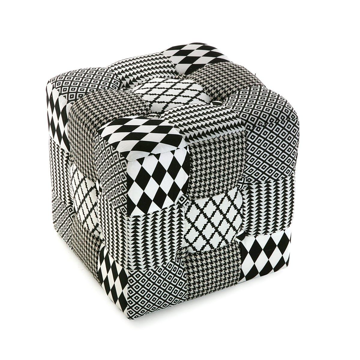 Pouf cube capitonné en tissu Patchwork blanc et noir 35x35x35cm URBAN