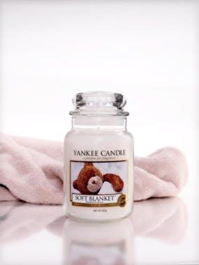 Couverture Douce bougie parfumée moyenne jarre YANKEE CANDLE