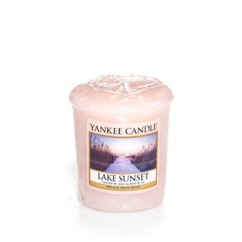 Coucher de Soleil au Bord du Lac bougie parfumée votive YANKEE CANDLE