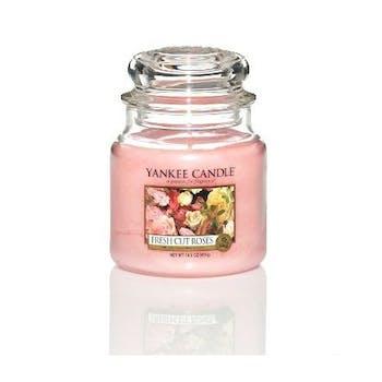 Roses fraichement coupées bougie parfumée moyenne jarre YANKEE CANDLE