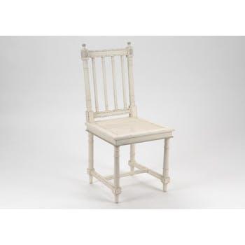 Chaise cannée bois vieilli blanc ORNEMENT L 48 x P 53 x  H 101 AMADEUS