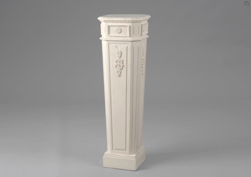 Sellette porte lampe et plante bois blanc vieilli 100 cm LEONIE L 30 x P 30 x  H 100 AMADEUS