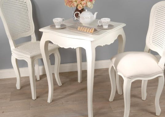 Table d'appoint crème antique carrée romantique en bois MURANO L60xP60xH75 AMADEUS