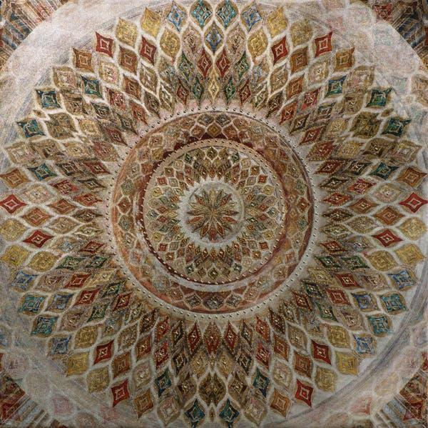 Tableau ABSTRAIT Rosace colorée tons blancs, rouges, beiges, jaunes, verts, bleus et dorés 90x90cm