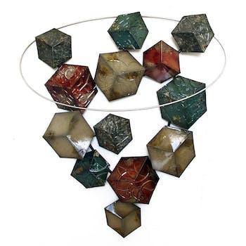 Décoration murale métal cubes colorés et cercle 68x74