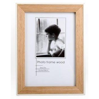 Cadre photo pour photo 13x18cm en bois naturel et bordure blanche