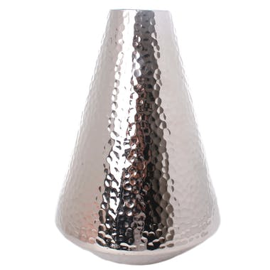 Vase H30cm forme Cône en aluminium argenté martelé