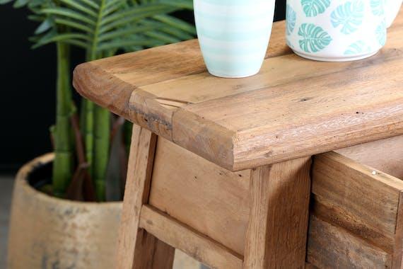 Table de chevet inspiration exotique en teck recyclé