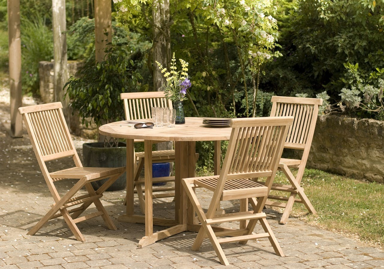 Salon de jardin en Teck table ronde 120cm 4 chaises SUMMER