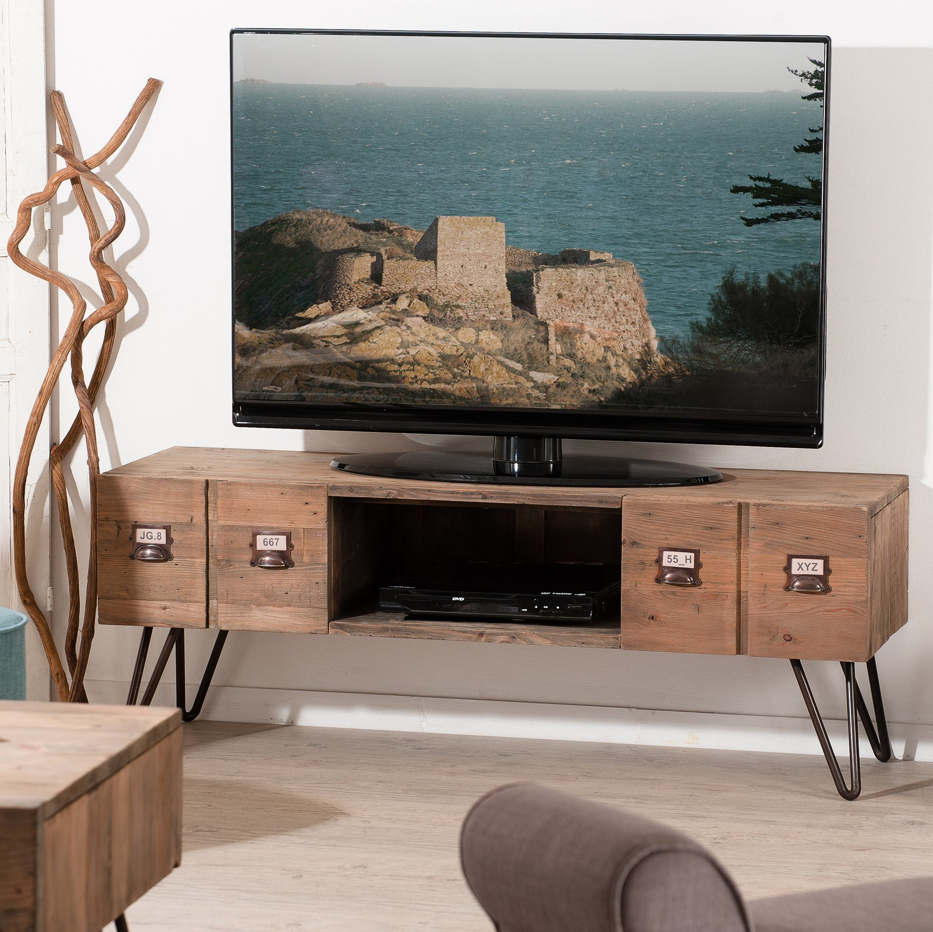 Meuble TV 2 tiroirs pin recyclé 130,5x40,5x48,5cm ATELIER