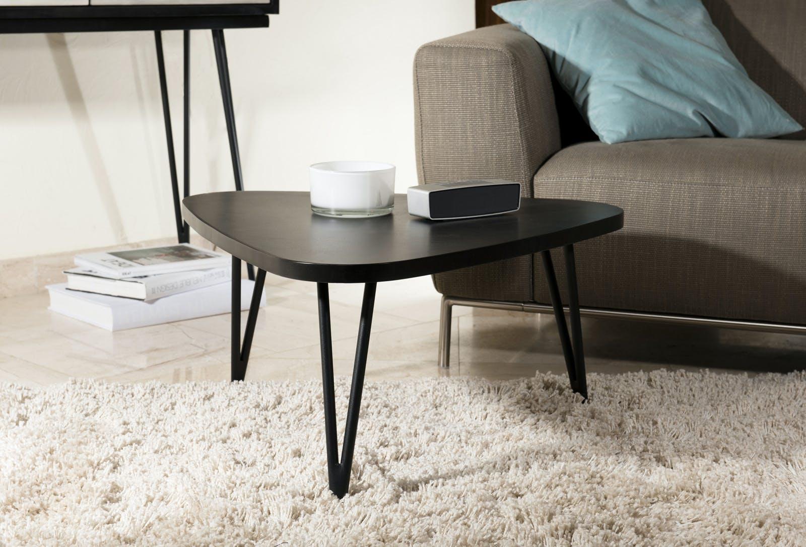"""Table basse """"goutte d'eau"""" en Acacia massif noir et pieds métal noir 73x68x36cm CADIX"""