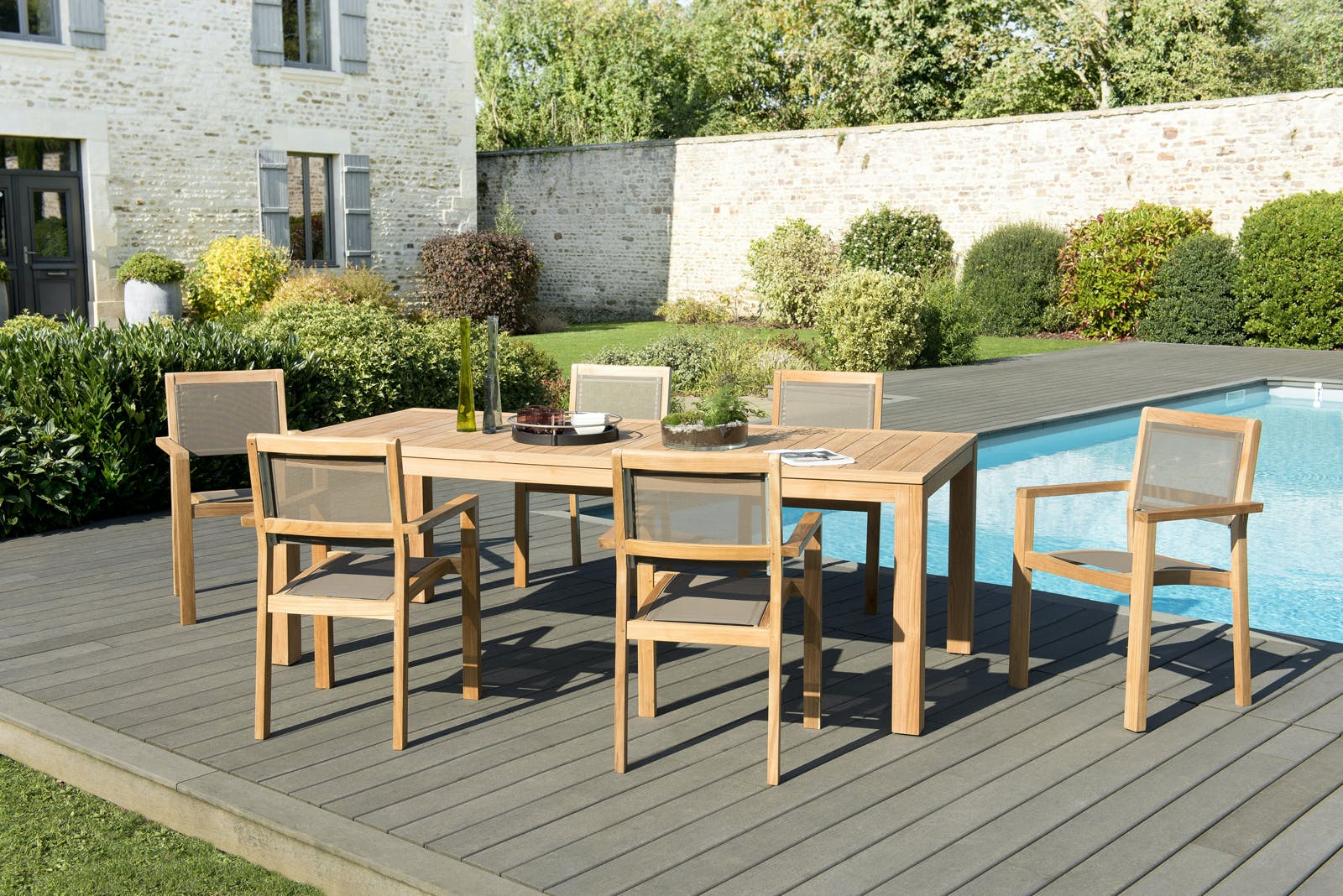 Salon de Jardin Teck Table 220x100 + 6 fauteuils empilables BERGEN ref. 30020839
