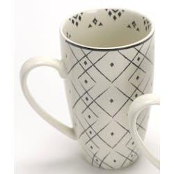 Coffret mug XL porcelaine écrue et noire avec motifs lignes et points