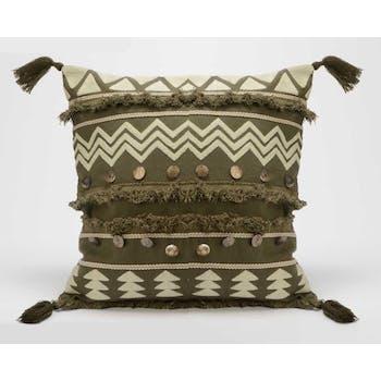 Coussin Pocahontas couleur kaki touché doux avec motifs en relief inspiration Aztek, boutons et pompons 40x40cm