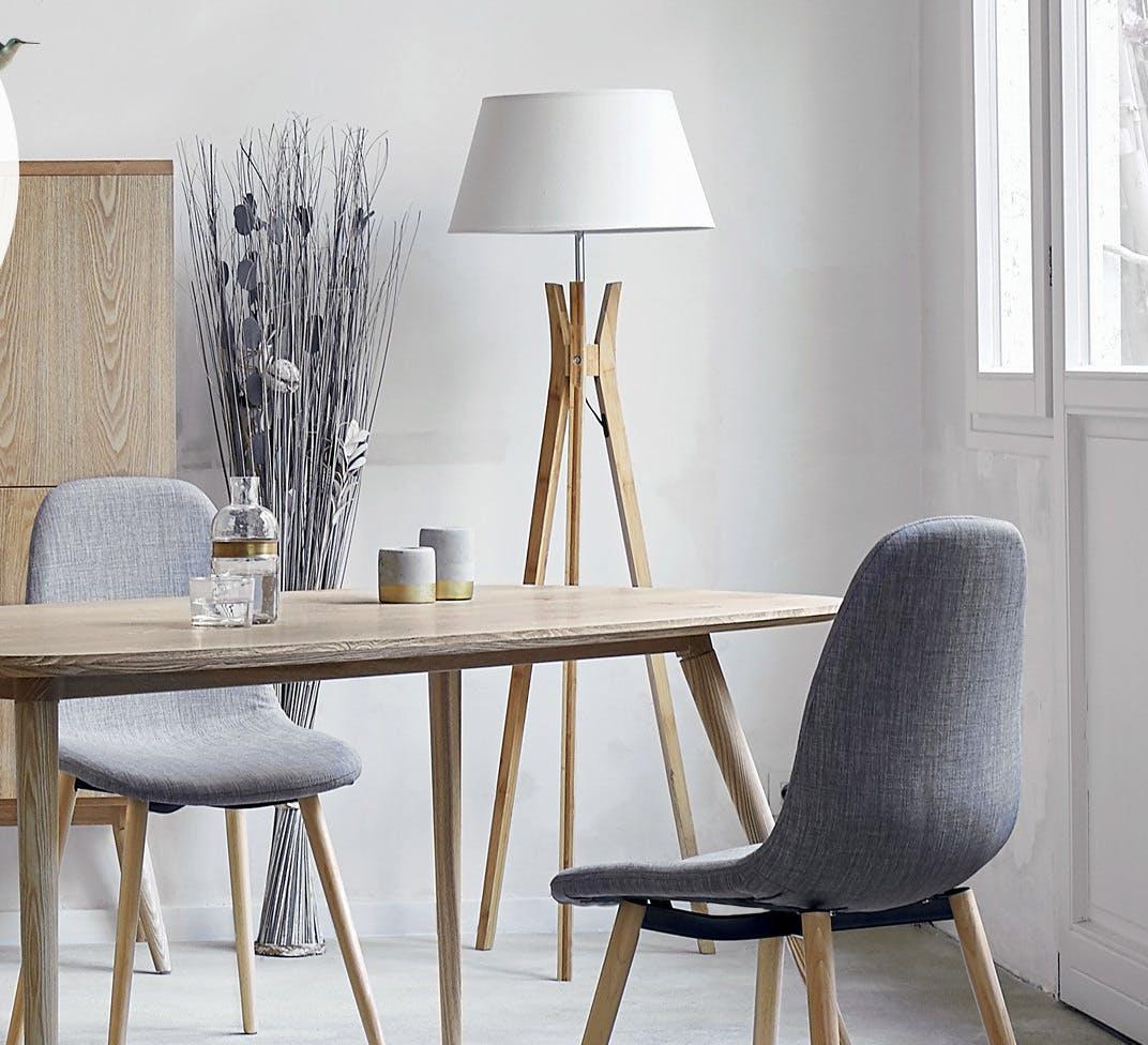 lampadaire en bambou pied forme tr pied avec tablette et. Black Bedroom Furniture Sets. Home Design Ideas