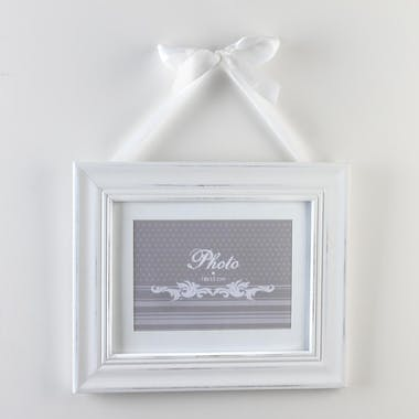 Cadre photo rectangle en bois écru et ruban blanc 29x24cm