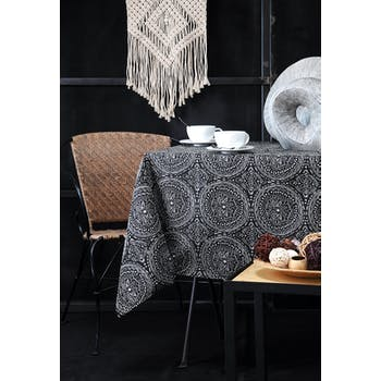 Nappe noire inspiration Indienne motifs géométriques blancs 140x240cm KOLAM