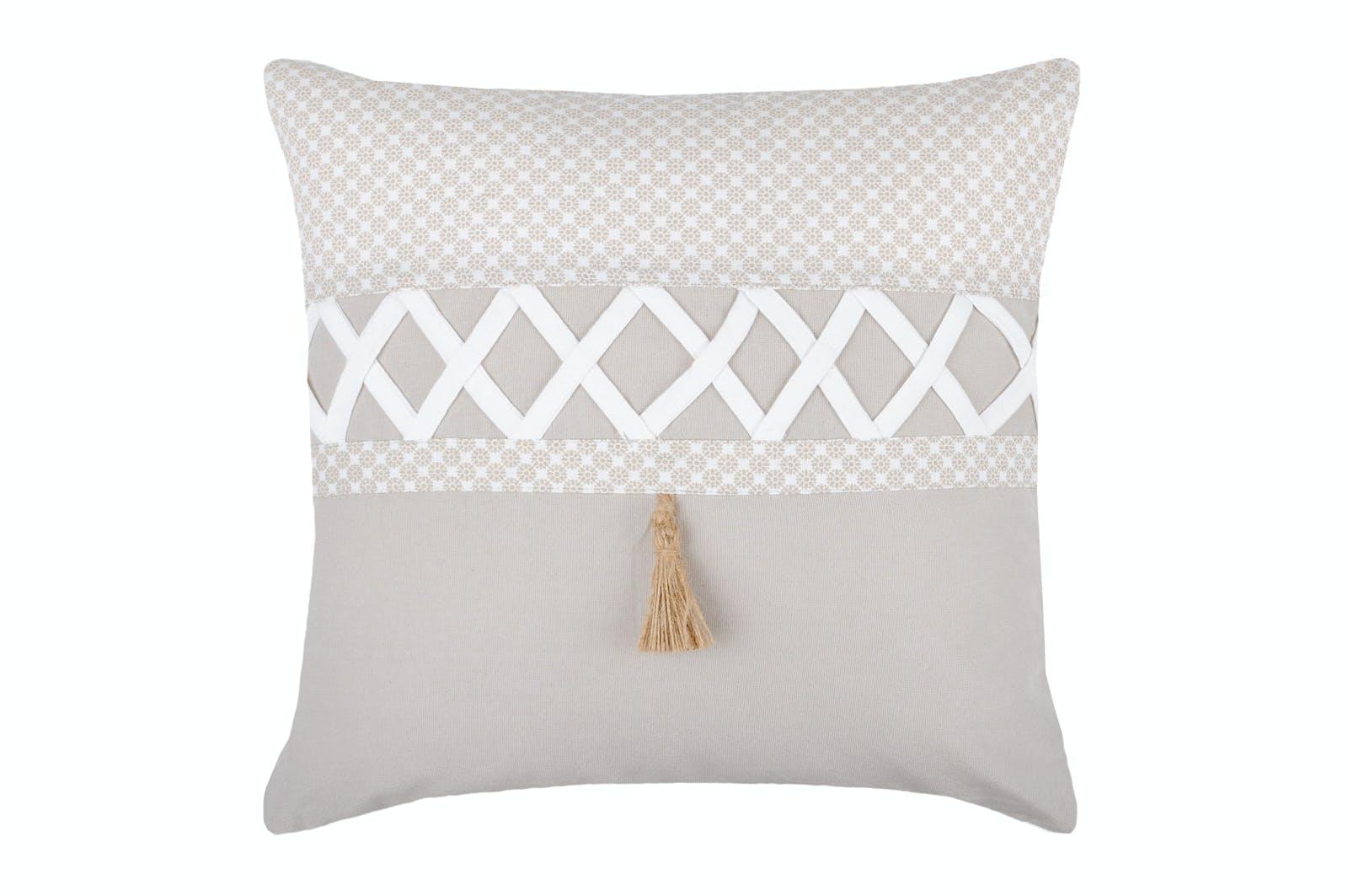 Coussin couleur lin et blanc à motifs rosace et bande croisillons blanc 40x40cm NELIA