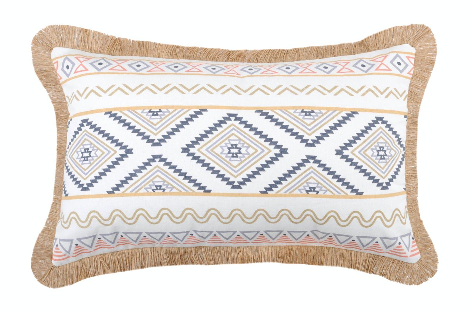 Coussin blanc imprimé géométrique et frange beige 30x50cm en coton ORYLIA