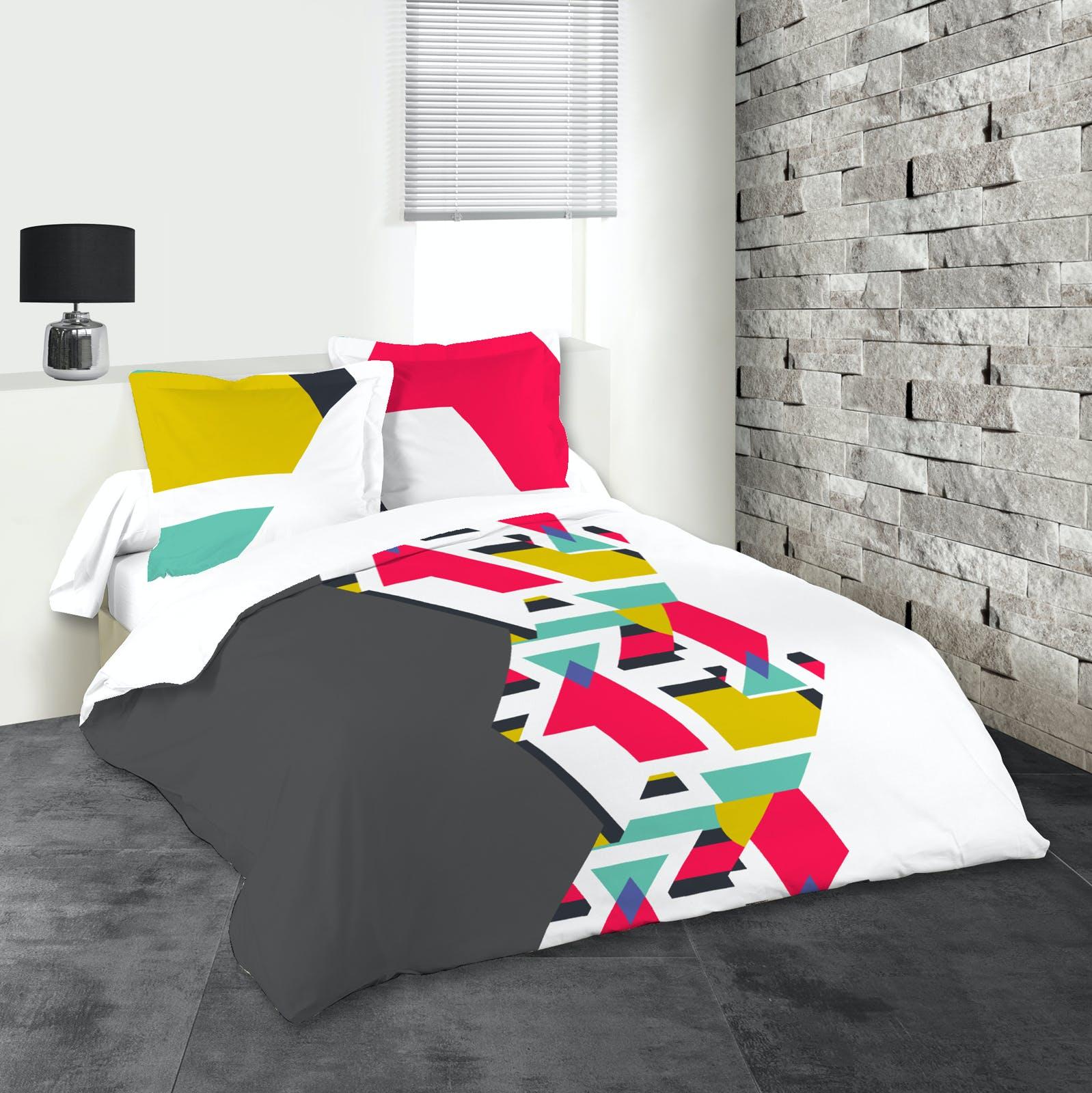 Parure de lit motifs géométriques tons gris, roses et jaunes 240x220 housse de couette + 2 taies 63x63 100% coton STREET