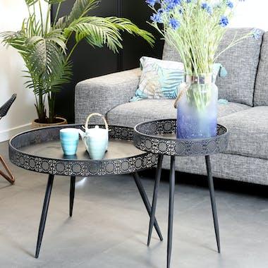 Bout de canapé métal noir motifs ajourés petit modèle