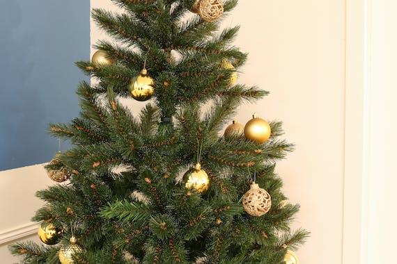 Boite de boules de Noël dorées assorties
