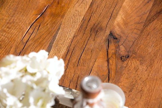 Table à manger moderne piètement oblique chêne massif 200 cm OKA