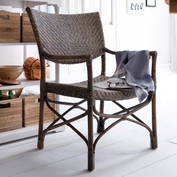 Chaise en rotin avec accoudoirs, assise large, dossier plein 75x99cm ROYAN