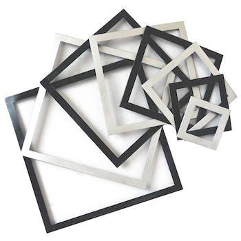 Décoration murale en métal carrés graphiques noirs et gris