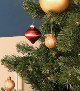 Boite de 20 boules et bulbes de Noël tons verts, rouges et dorés