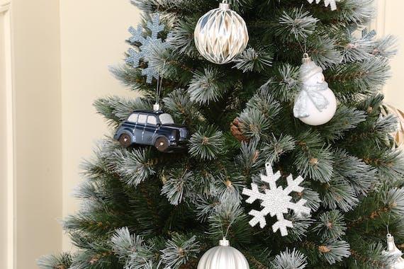 Boite de 25 décors de Noël tons bleus et argentés