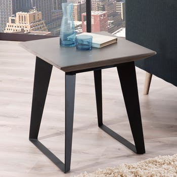 Bout de Canapé / Table d'Appoint plateau Béton gris foncé et pieds métal noir 50x50x52cm NEAL