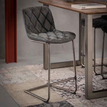 Chaise haute de bar rembouree noire avec pied metal style contemporain