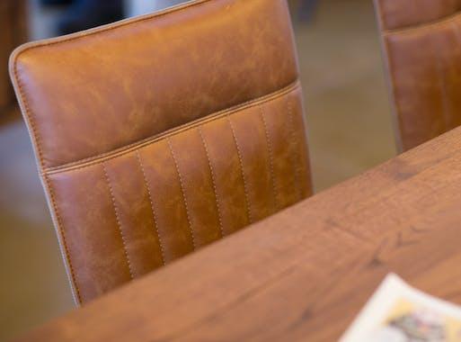 Chaise de salle à manger camel used OKA (lot de 2)