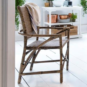 Chaise en rotin avec accoudoirs et dossier plein 54x97cm ROYAN