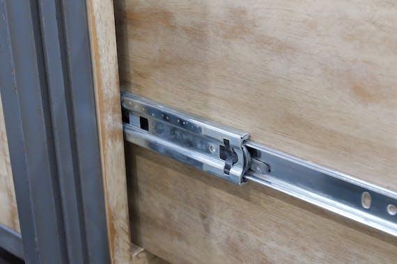 Console hévéa recyclé blanchi et métal noirci 2 tiroirs 2 plateaux 90X35X80cm DOCKER