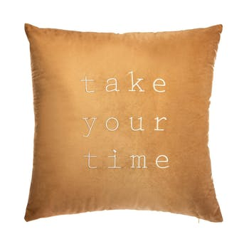 """Coussin en velours ocre """"take your time"""""""