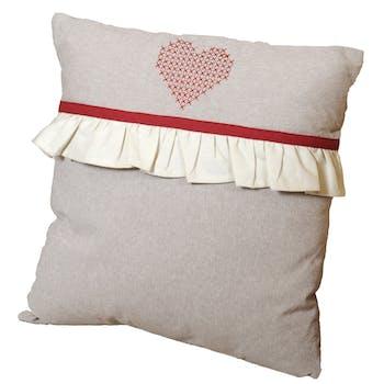 Coussin romantique couleur lin coeur brodé rouge et volant écru 40x40cm CHARMEUR