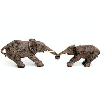 Ensemble maman et bébé éléphants