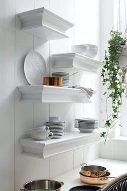 Etagere murale en bois blanc de style classique