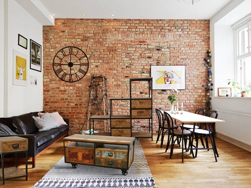 Meuble TV à roulettes 1 porte, 2 tiroirs, 2 niches en Hévéa recyclé naturel et métal 120x50x60cm LOFT