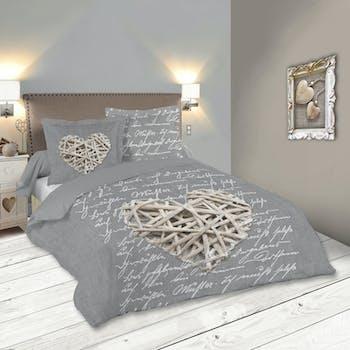 """Parure de lit motifs """"coeur"""" tons gris et blancs 260x240 + 2 taies 63x63 100% coton WOODLOVE"""