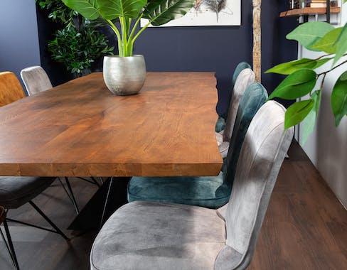Table à manger en bois de chêne bordures naturelles 200 cm OKA