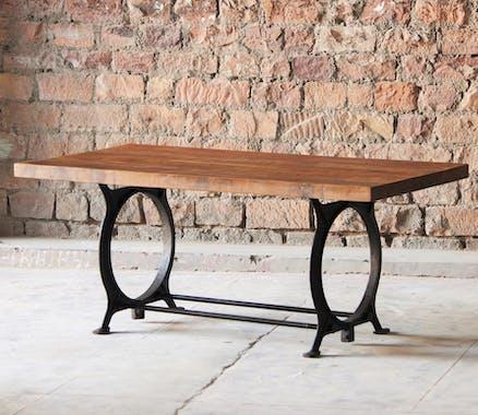 Table de repas bois recycle pieds metal fonte style industriel