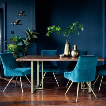 Table a manger moderne en bois et laiton style contemporain