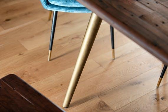 Table a manger bois recycle FSC brun style contemporain