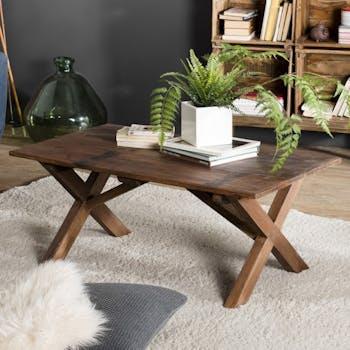 Table basse en bois recycle pieds croises de style contemporain